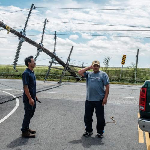 Hurricane Laura's winds batter Louisiana, killing six, but less damage than forecast