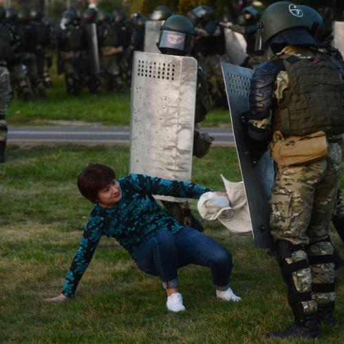 Belarus Govt will allow police to use combat weapons against protestors