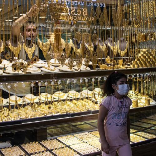 Gold prices firm as tepid dollar lends support