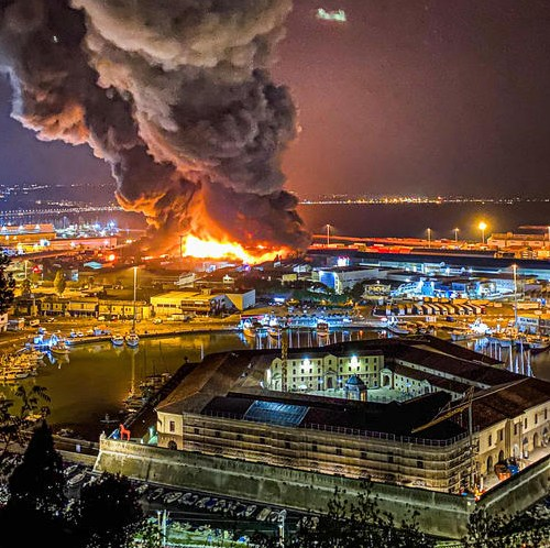 UPDATED: Large fire in Italian city of Ancona