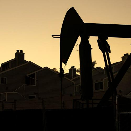 Oil gains but heading for weekly fall over coronavirus demand