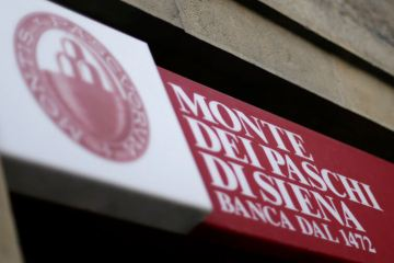 Italy vows to protect Monte Paschi jobs in UniCredit deal