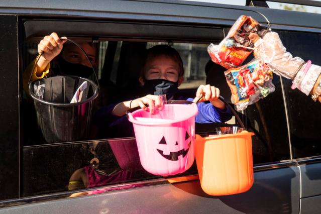 Photo Story: Halloween in times of pandemic