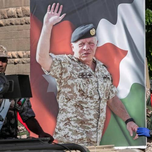 Jordan's King Abdullah accept PM's resignation