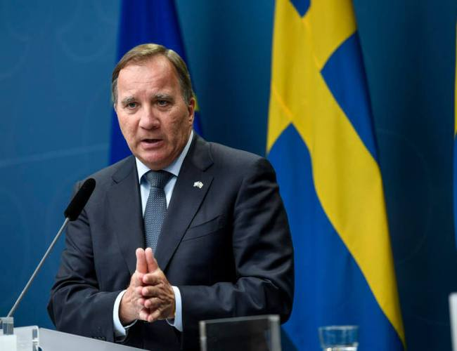 Swedish government faces battle to stay in power as labour talks fails