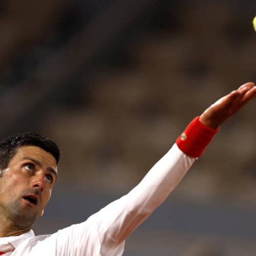 Djokovic effortlessly earn last 16 spot