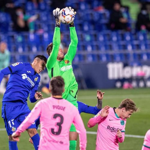 Barcelona suffer first defeat against Getafe