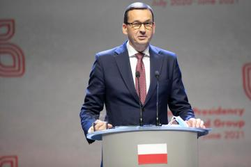 Polish prime minister accuses opposition of lying about 'Polexit'