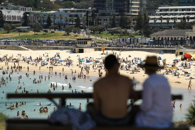 Fears of bushfires in Sydney as city swelters through hottest November night on record