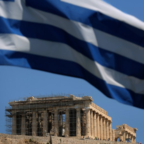 "Greece to offer 50% tax break for returning professionals and ""digital migrants"""