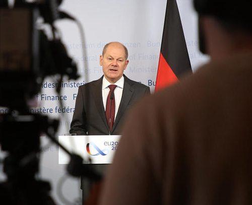 UPDATED: Pledging stability, German SPD seeks three-way alliance to succeed Merkel