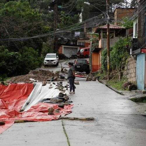 Storm death toll rises in Central America as Honduran leader pleads for help