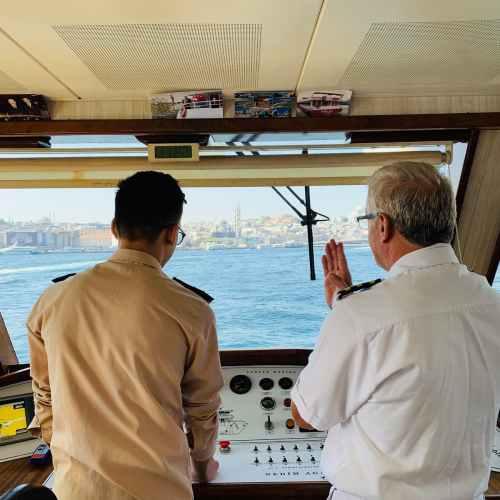 U.N. urges designation of seafarers as key workers