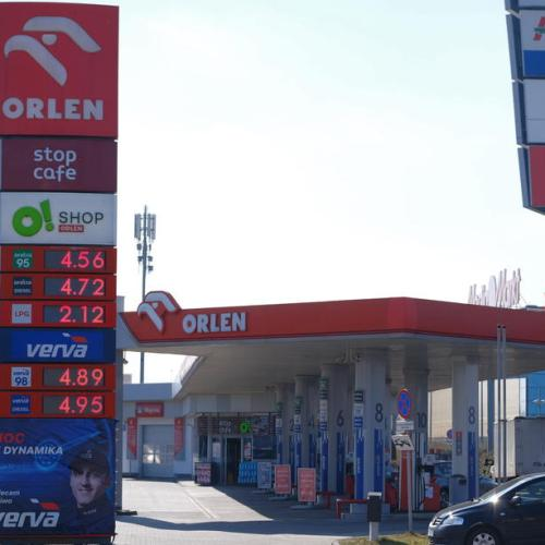 Poland's PKN Orlen to buy media company Polska Press