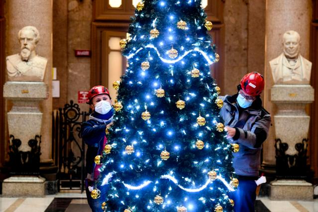 Photo Story: Christmas preparations in Naples, Italy