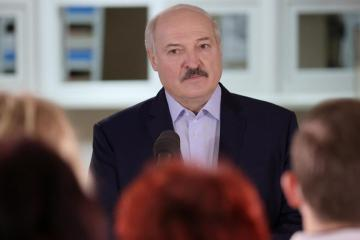 Belarus leader threatens to halt transit of EU goods via his country to east