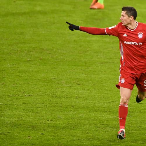 Robert Lewandowski wins FIFA's 'The Best' award