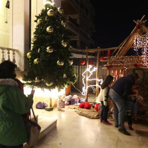 Photo Story: Christmas preparations in Syria
