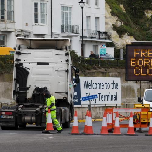 France to reopen border with England for COVID-clear travellers