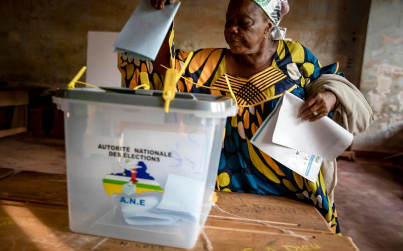 Central African Republic votes under threat of violence