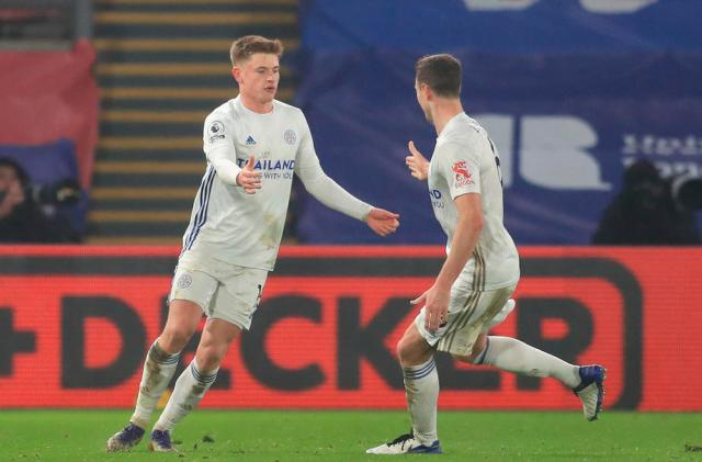Leicester City move up to second with Palace draw