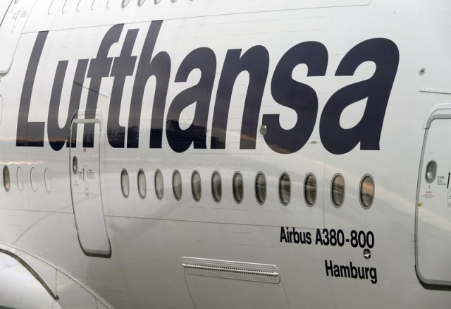 Lufthansa's Airlines to require crew, passengers to wear medical masks