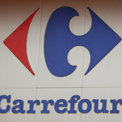 Bid by Alimentation Couche-Tard to buy Carrefour