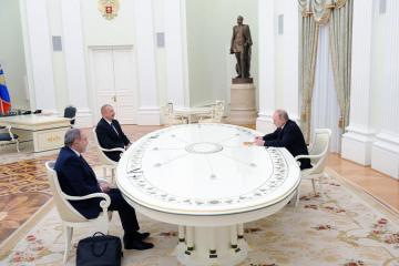 Putin hosts first post-war talks between Azerbaijan, Armenia leaders