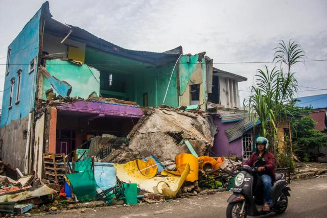 Quake death toll at 73 as Indonesia struggles with string of disasters – Update