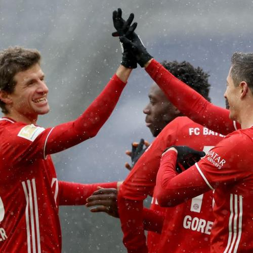 Bayern go four points clear with scrappy 2-1 win over Freiburg