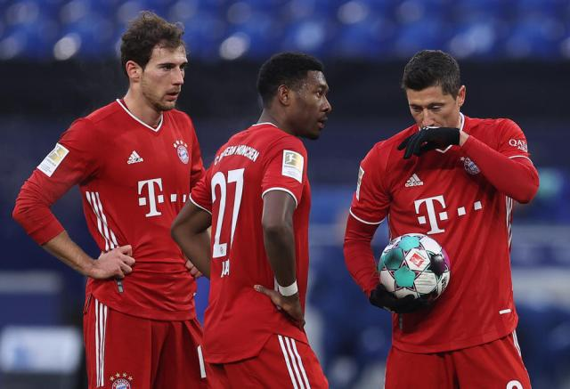 Bayern extend lead to seven points with 4-0 win at Schalke