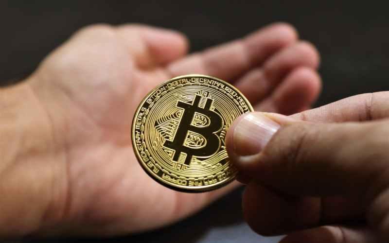 un bitcoin eurais bitcoin indėlių sąskaita
