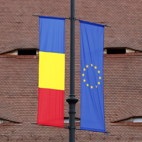 Romania pushes euro adoption goal to 2027-2028