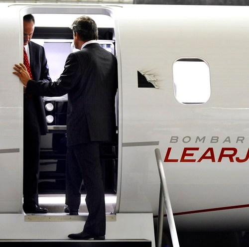Bombardier to lay off 1,600, halt Learjet production