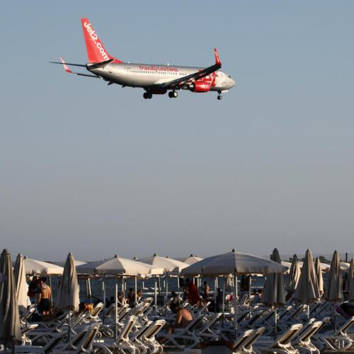 EU lawmakers extend airline slot relief through summer