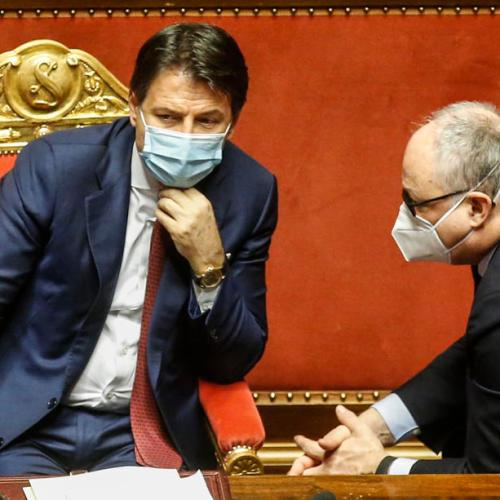 Italy's PD stands by economy minister; president seeks continuity – sources