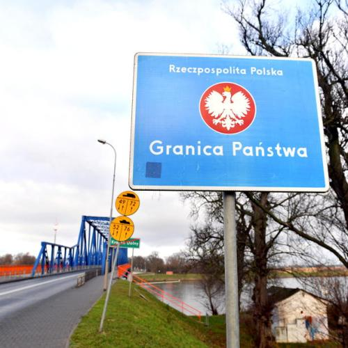 Poland mulling negative coronavirus test result at border