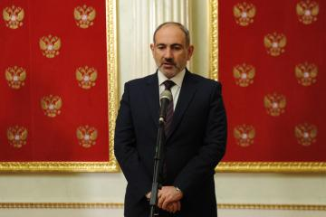 Armenia PM steps down to clear way for early elections