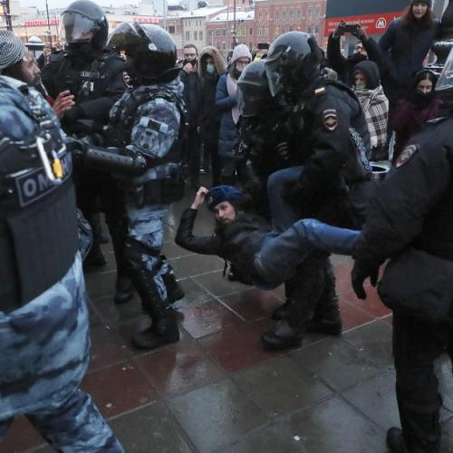 Punctured lung, fractured ribs: some Russian protesters allege police brutality