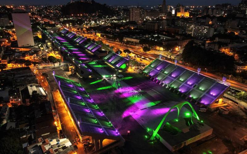 Rio Sambadrome lights up in tribute for victims of COVID-19