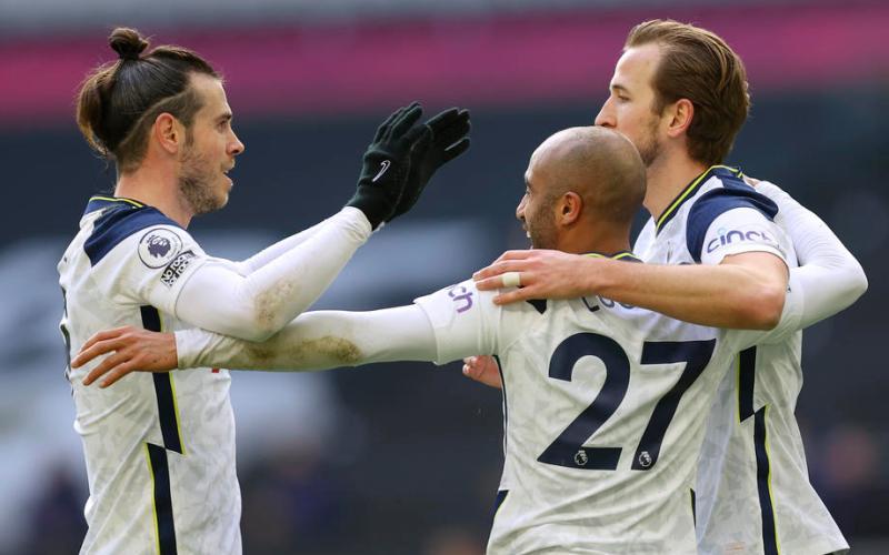 Bale double helps Tottenham crush Burnley