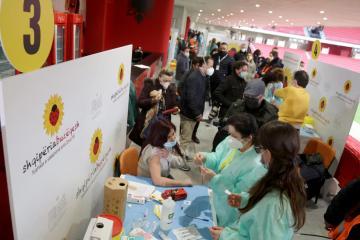 Albania donates COVID-19 vaccines to Kosovo health workers