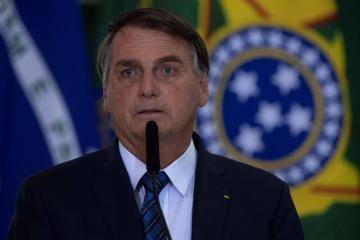 Brazil's Bolsonaro shuffles cabinet, recreates labor ministry