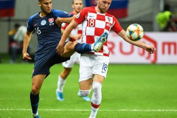 Croatia lose ground after 2-2 draw with Slovakia