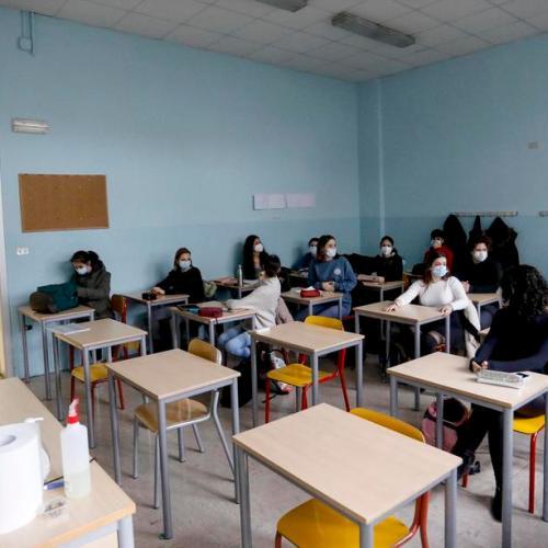 Italy closes schools in worst-hit coronavirus areas – Update