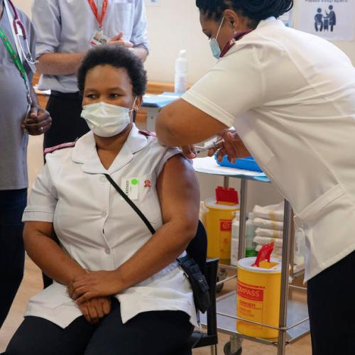 South Africa plans to vaccinate 200,000 people daily against COVID-19 – report