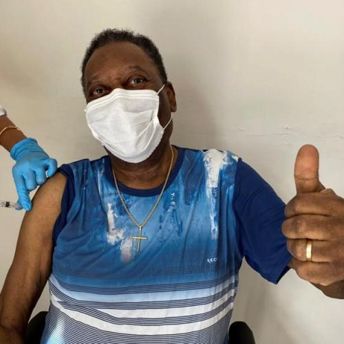 Former football star Pele gets vaccinated in Brazil