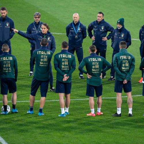 Italy's Mancini wary of physical Lithuania and Vilnius pitch