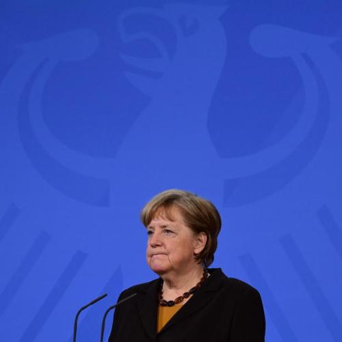 Merkel calls on EU to establish common asylum policy
