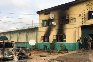 Major prison break in Nigeria as more than 1,800 inmates flee